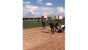 Amatör maçta futbolcular hastanelik oldu