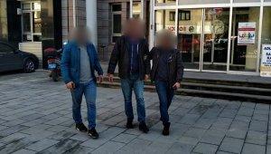 Kuşadası'nda fuhuşa teşvik suçundan aranan cezaevi firarisi tutuklandı