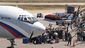 Rusya'dan Venezuela'ya 2 uçak dolusu malzeme ve 99 askeri personel iddiası