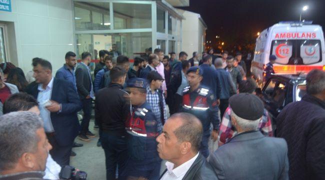 Adana'da yolcu minibüsü kaza yaptı: 1 ölü, 13 yaralı