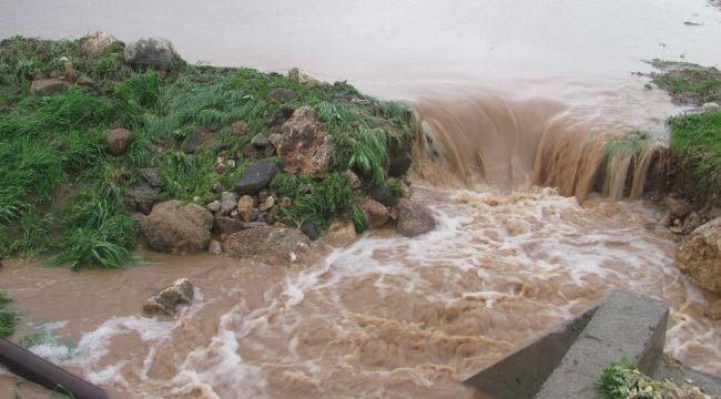 Araban'da sağanak yağış ve dolu tarım arazilerini vurdu