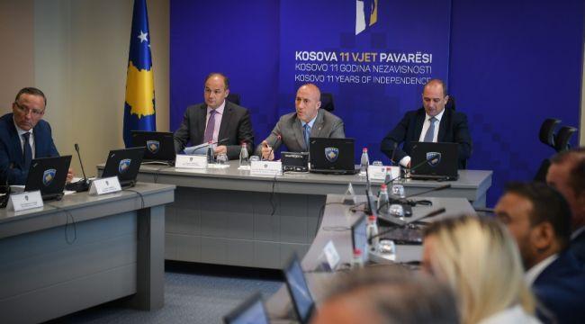 Arnavutlara hakaret eden Kosovalı Sırp bakan görevden alındı