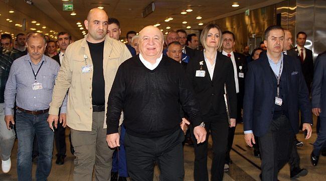 Atatürk Havalimanı'na hüzünlü veda