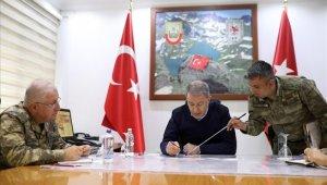 Bakan Akar'dan terörle mücadele açıklaması