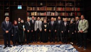 Bakan Çavuşoğlu, Hollanda temaslarını sürdürüyor