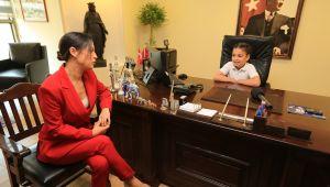 Başkan Sengel Koltuğunu Çocuklara Bıraktı