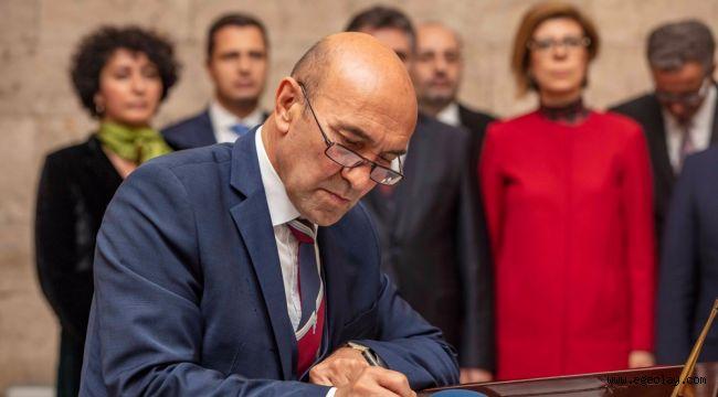 Başkan Tunç Soyer ve İzmir'in ilçe belediye başkanları Anıtkabir'i ziyaret etti