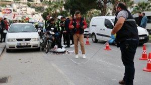 Beton mikserinin çarptığı motosikleti kadın hayatını kaybetti