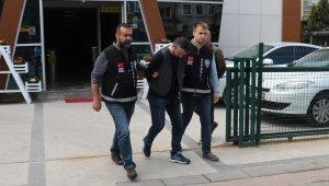 Birlikte olduğu kadınlara fotoğrafla şantaj yapan şahıs tutuklandı