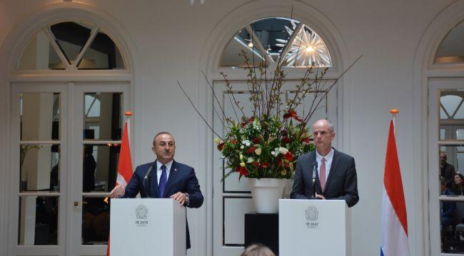 """Çavuşoğlu:""""Avrupa'da radikalleşen bir Türk bile yoktur"""""""