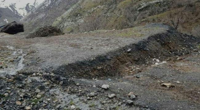 Çukurca'da heyelandan dolayı 15 ev boşaltıldı