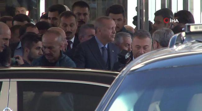 Cumhurbaşkanı Erdoğan, Eyüpsultan Belediyesini ziyaret etti