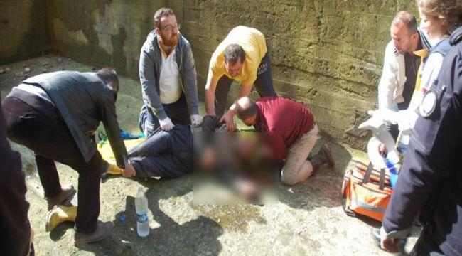 Duvar yaparken 4 metre yükseklikten düşen yaşlı adam yaralandı