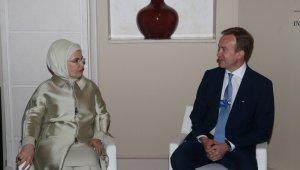 Emine Erdoğan Dünya Ekonomik Forumu Başkanı ile görüştü