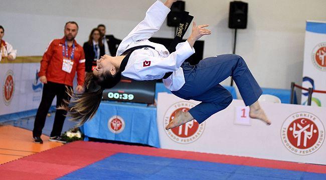 Eskişehir'in 'Altın Kızı' Avrupa şampiyonu oldu