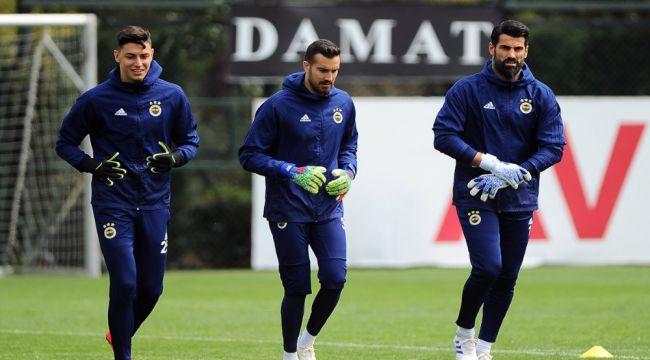 Fenerbahçe 3 eksikle çalıştı