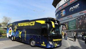 Fenerbahçe ve Trabzonspor kafileleri Ülker Stadı'na geldi