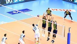 Final etabında Fenerbahçe seriyi 2-0'a getirdi