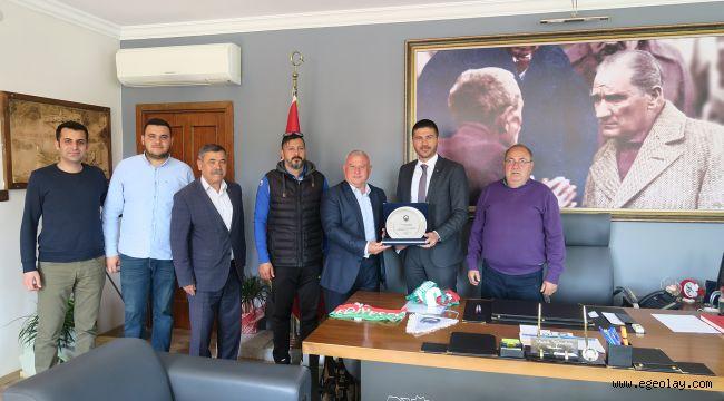 Foça Belediyespor Kulübü'nden Başkan Gürbüz'e Ziyaret