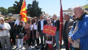 Foça Demokrasi Meydanında 23 Nisan Sevinci