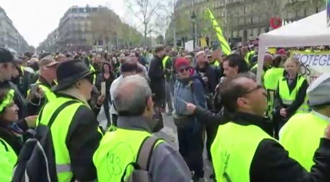 Fransa İçişleri Bakanı, Sarı Yelekliler'i uyardı