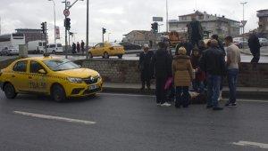Genç kıza çarpan taksici bir an olsun başından ayrılmadı