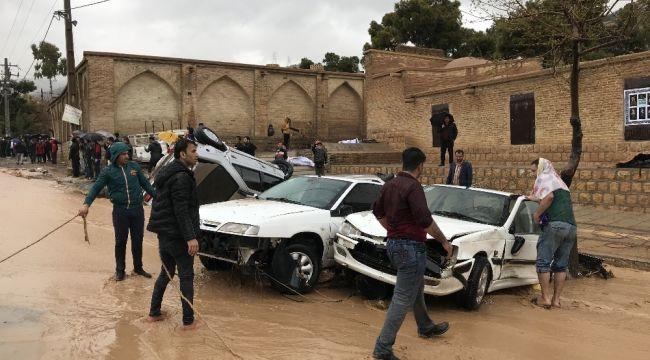 İran'da sel bölgelerindeki 60 bin kişiye tahliye kararı