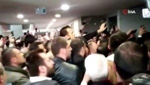 İstanbul Adliyesinde partililer ve güvenlik görevlileri arasında arbede