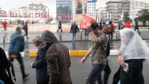 İstanbul'da sağanak yağış etkisini gösterdi