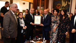 İzmir Büyükşehir Belediye Başkanı Tunç Soyer göreve başladı