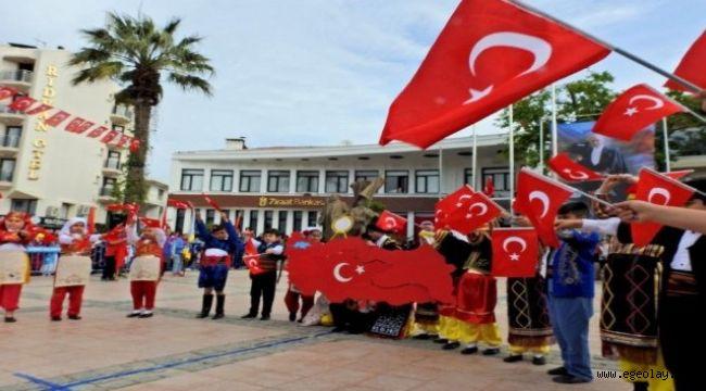 İzmir'in ilçelerini bayram coşkusu sardı