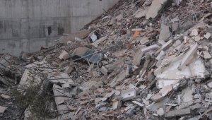 Kağıthane'deki enkaz gün ağarınca ortaya çıktı