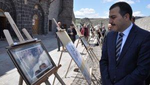 Katliamın belgeleri Kars Ulu Cami'de sergileniyor