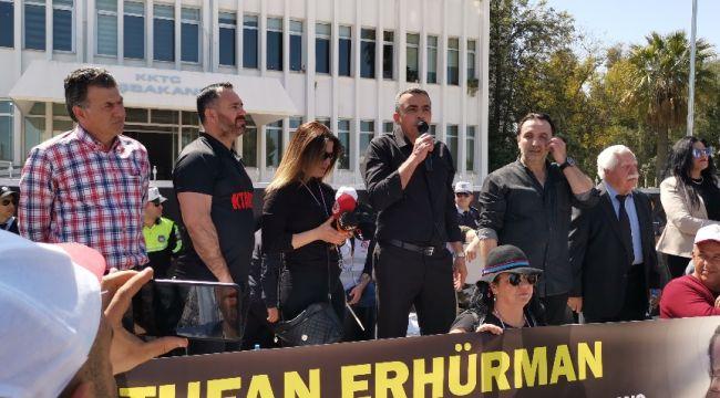 KKTC'de sendikalar hükümetin ekonomi politikasını protesto etti