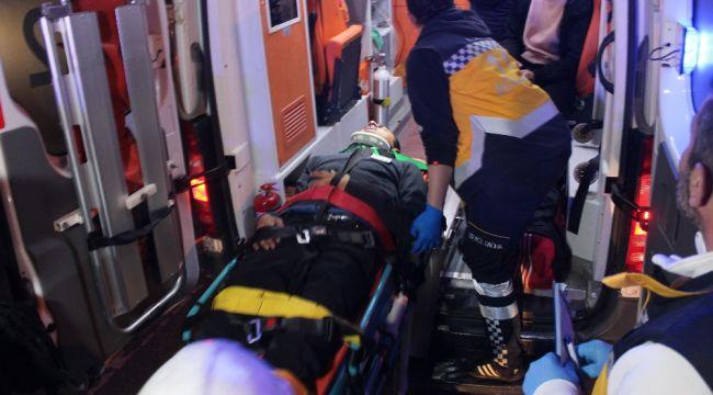 Kocaeli'de üç araç birbirine girdi: 8 yaralı