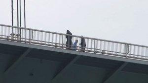 Köprü'deki intihar girişiminde polis şahsı ikna etti