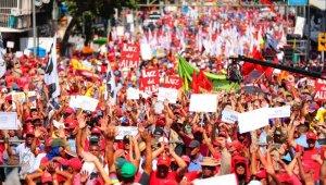 Maduro, diyalog için Uruguay ve Meksika'dan yardım istedi