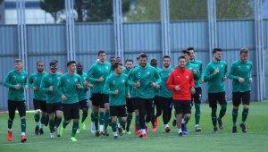 Mesut Bakkal, Bursaspor'da ilk antrenmanına çıktı