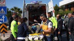 Midibüs kamyonet ile çarpıştı: 6 yaralı