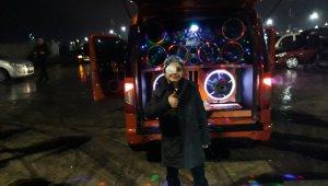 Otomobil tutkunu kanser hastası minik Azat için anlamlı gece
