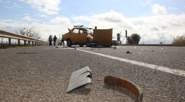 Otomobille minibüs çarpıştı: 6 yaralı