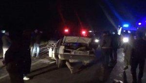 Otomobiller çarpıştı: 9 yaralı