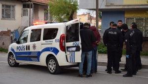 Polislere ateş açılan silahlı kavgada 10 kişi gözaltına alındı