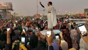 """""""Sudan'ın Gelini"""" sosyal medyada hızla yayıldı"""