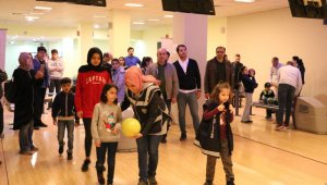 Şehit polislerin çocukları bowling turnuvasında buluştu