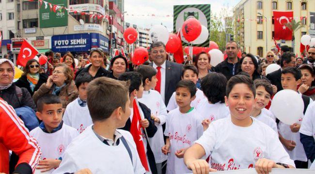 Sındır, '23 Nisan 1920'de olduğu gibi bugünde beraberliğimizi bozamayacaklar'