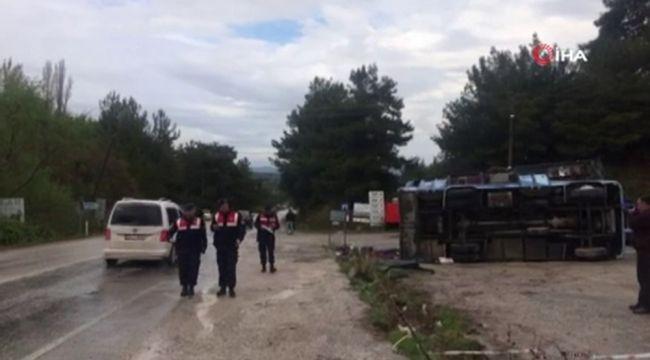 Tarım işçilerini taşıyan araç kaza yaptı: Çok sayıda yaralı