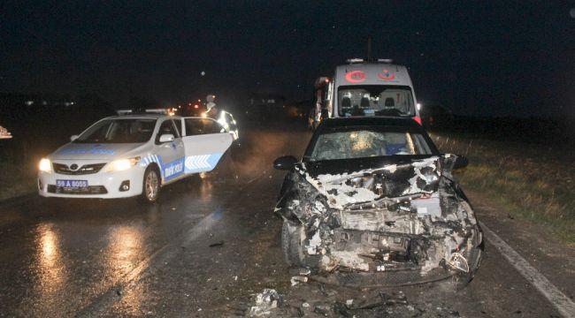 Tekirdağ'da otomobiller kafa kafaya çarpıştı: 5 yaralı