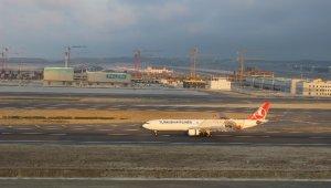 THY'nin 35 yolcusuz uçağı İstanbul Havalimanı'na ulaştı
