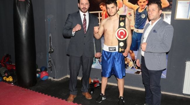 Türk boksör Belçika'da darp edildi